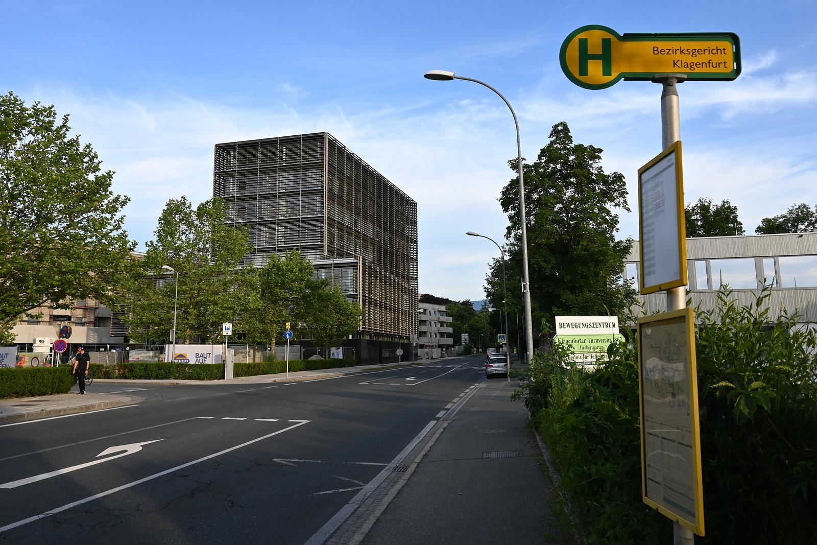 Haltestelle Bezirksgericht