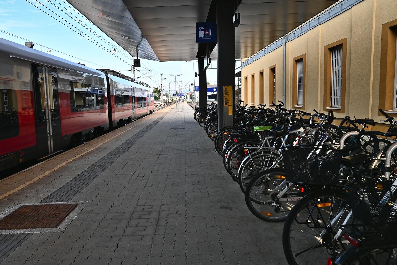 Klagenfurt Hauptbahnhof Bahnsteig 1 West