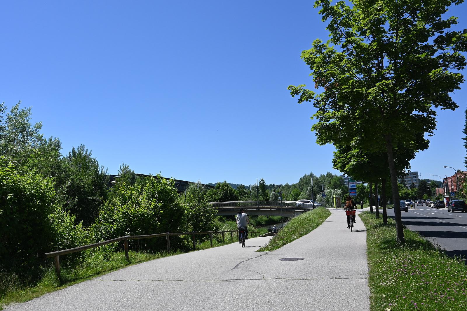Brücke am Klinikum