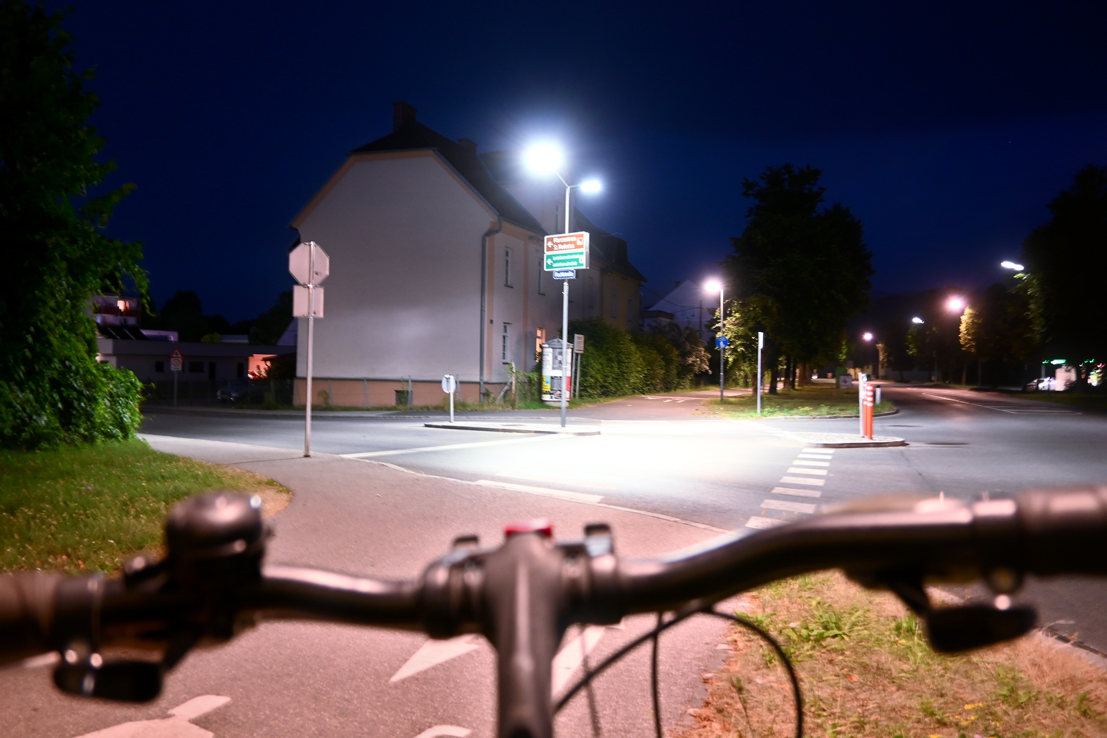 Kreuzung Kreuzung Fischlstraße Ebenthaler Straße